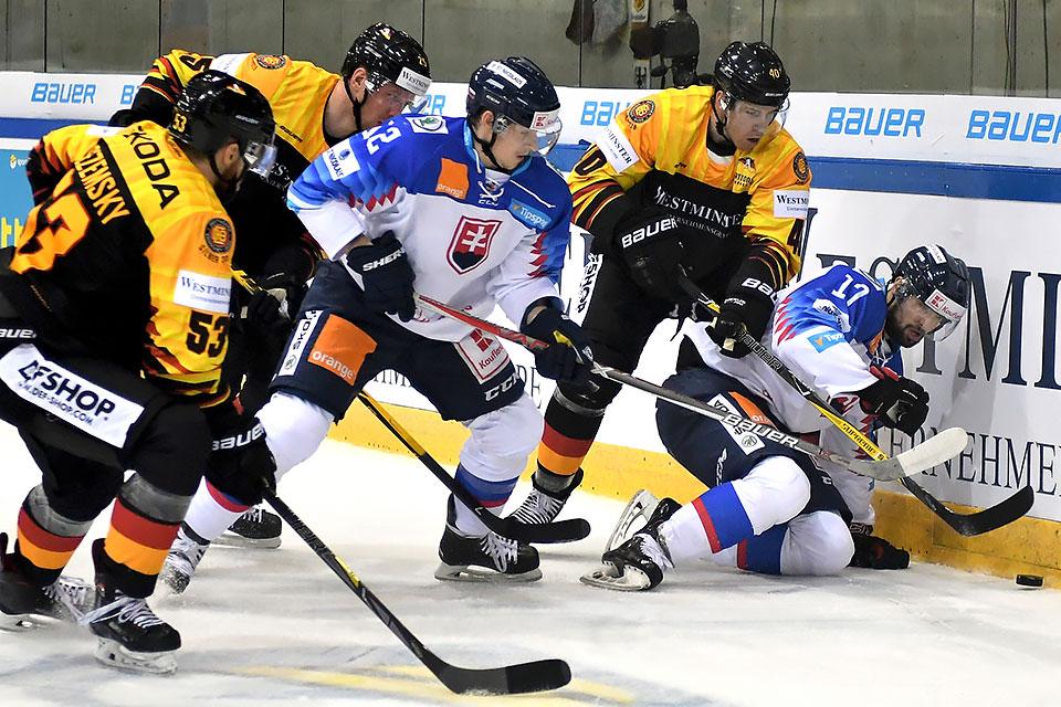 Znalezione obrazy dla zapytania deutschland slowakei dresden eishockey
