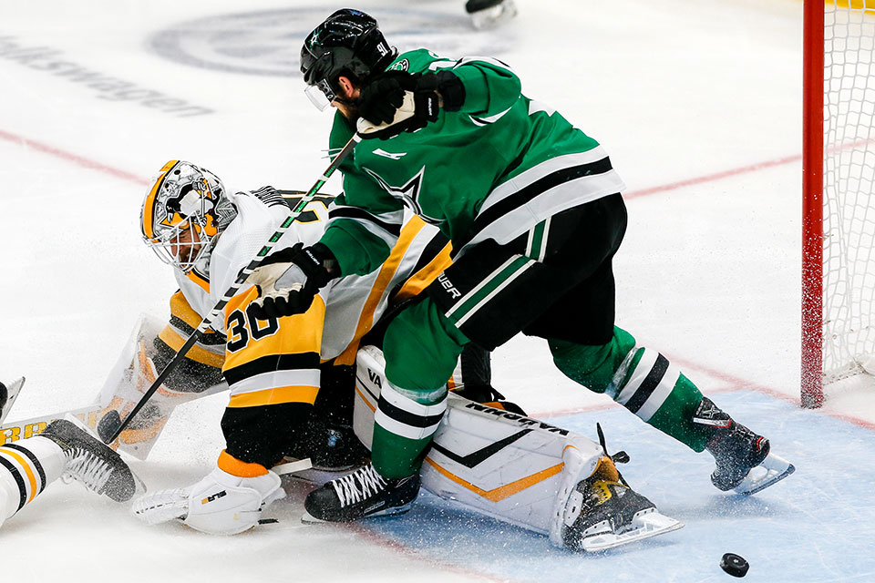 Torwart Matt Murray (Pittsburgh) gegen Tyler Seguin (Dallas).