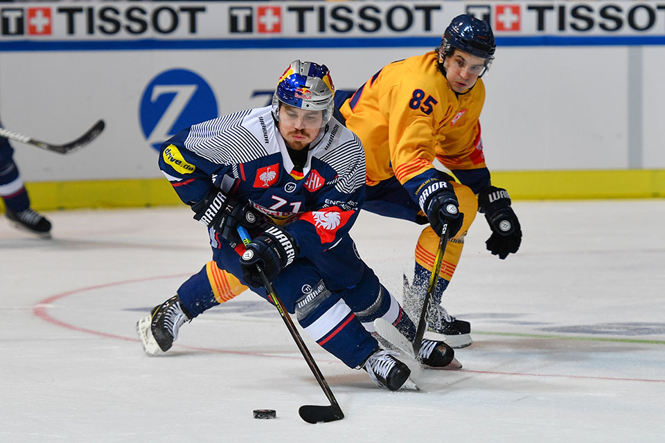 Chris Bourque gegen Stockholms Michael Haga.